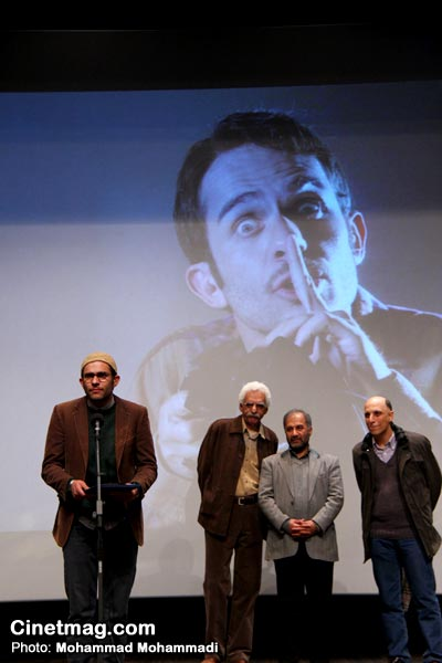بابک حمیدیان برنده تندیس بهترین بازیگر نقش مکمل مرد برای بازی در فیلم