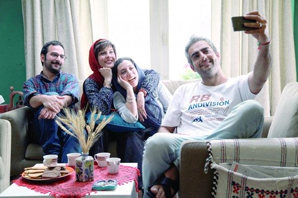 حامد کمیلی و سارا بهرامی در نمایی از فیلم