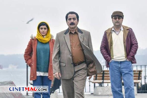 مهران احمدی، پرویز پرستویی و الناز شاکردوست در نمایی از فیلم «مطرب»
