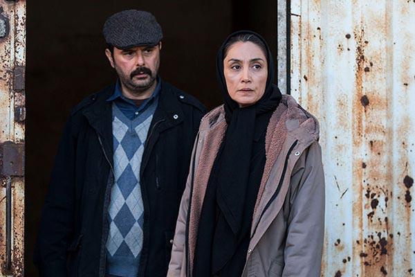 هدیه تهرانی و علی مصفا در نمایی از فیلم «روزهای نارنجی» ساخته آرش لاهوتی