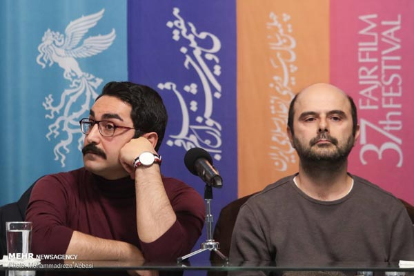 علی مصفا و آرش لاهوتی در نشست پرسش و پاسخ فیلم «روزهای نارنجی»