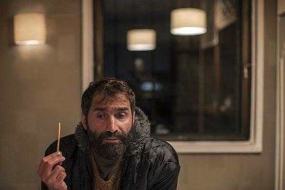 هادی کاظمی در نمایی از فیلم سینمایی