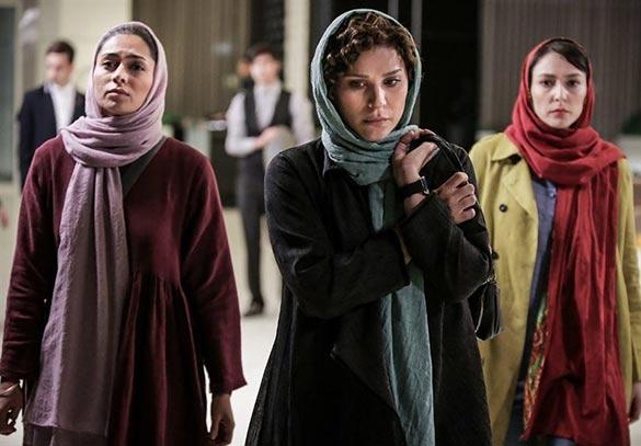 سحر دولتشاهی و پگاه آهنگرانی در نمایی از فیلم سینمایی