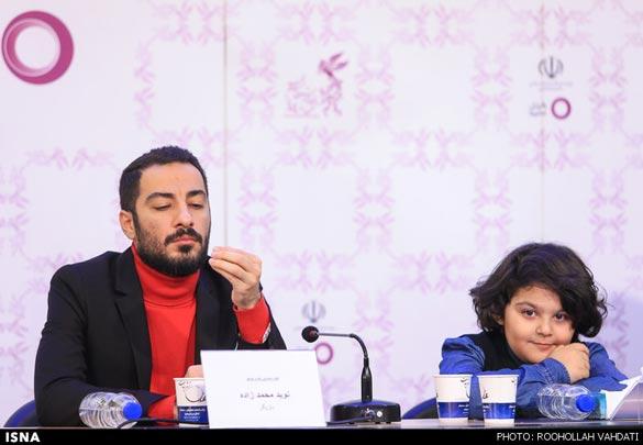 نوید محمدزاده و بازیگر کودک فیلم در نشست خبری فیلم سینمایی