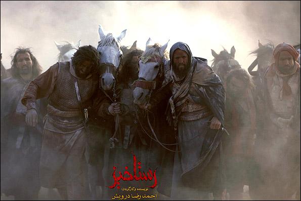 انوش معظمی و بابک حمیدیان در نمایی از فیلم