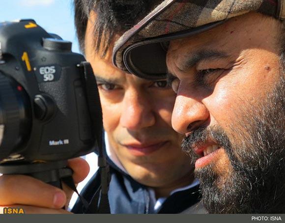 رضا عطاران و محمد احمدی در پشت صحنه فیلم
