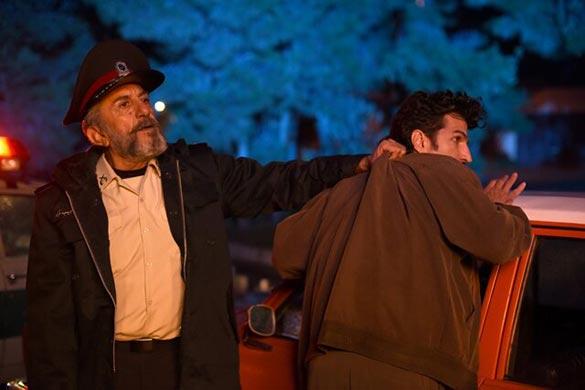 رضا کیانیان در نمایی از فیلم سینمایی «دست انداز» ساخته کمال تبریزی