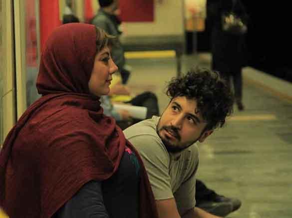 مهرداد صدیقیان و زهرا داوودنژاد در نمایی از فیلم سینمایی