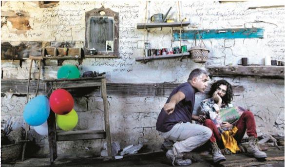 احسان گودرزی و مانی حقیقی در فیلم سینمایی «اژدها وارد می شود» به کارگردانی مانی حقیقی