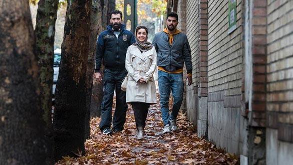 هادی حجازی فر، نازنین بیاتی و سینا مهراد در نمایی از فیلم سینمایی